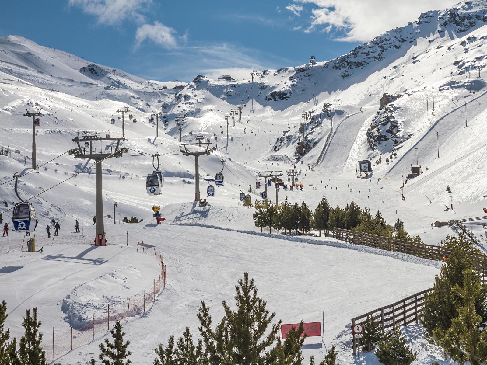 Обои для рабочего стола Испания Sierra Nevada Granada гора Зима Природа снега 1600x1200 Горы зимние Снег снеге снегу