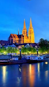Обои Германия Реки Здания Ночь Бавария Regensburg