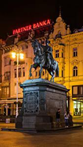 Фото Загреб Хорватия Здания Памятники Уличные фонари
