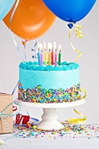 Фото Торты День рождения Свечи Продукты питания