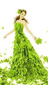Фото Белый фон Шатенка Платья Листья Желто зеленый Клён