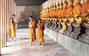 Картинка Храмы Будды Мальчишки Лысый monk