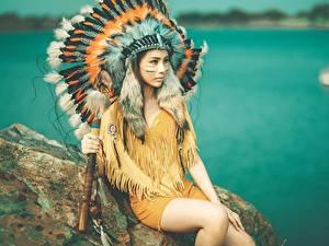 Фото Азиаты Перья Индейский головной убор Индейцы Красивая Девушки