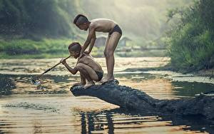 Фото Азиаты Речка Ловля рыбы 2 Мальчики Ребёнок