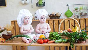 Картинки Овощи Томаты Двое Младенца Повар Шапки