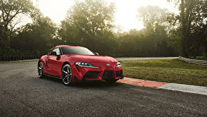 Картинка Toyota Красных Металлик 2020 GR Supra машины