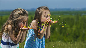 Фотографии Девочки Вдвоем Руки Ребёнок