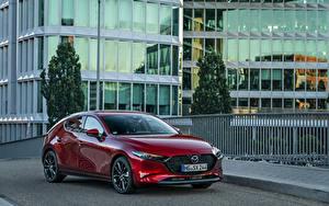 Обои для рабочего стола Мазда Бордовая Металлик 2019 Mazda3 Skyactiv-X Hatchback Worldwide авто