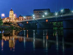 Фотография Германия Дома Реки Мост Ночь Уличные фонари Brandenburg город