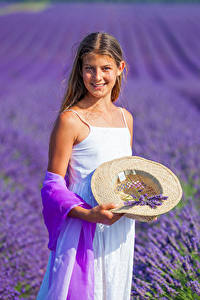 Фотография Поля Лаванда Девочки Улыбка Шляпа Ребёнок