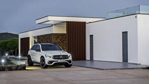 Обои для рабочего стола Мерседес бенц Белые Металлик 2019 AMG GLC 63 S 4MATIC Worldwide автомобиль