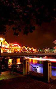 Фотографии Сингапур Мосты Дома Ночью Уличные фонари Ограда Города