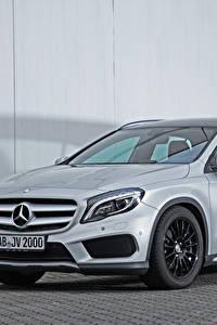 Фотография Mercedes-Benz Серебристый X156, 2015, GLA 200, VATH