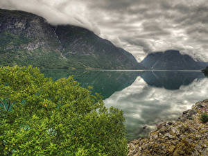 Картинка Норвегия Озеро Горы HDR Облако lake Strynsvatnet Природа