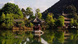 Картинки Китай Парк Речка Пагоды Дерево Lijiang Природа
