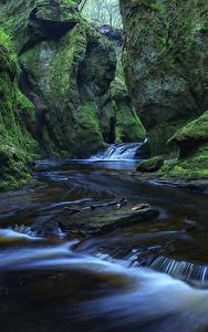 Фото Шотландия Водопады Утес Мох Finnich Glen