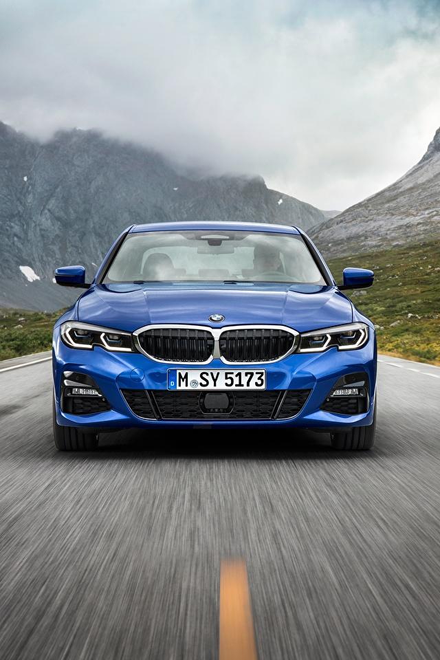 Фотографии БМВ 3-series M Sport G20 синие Движение авто Спереди 640x960 для мобильного телефона BMW синяя Синий синих едет едущий едущая скорость машина машины Автомобили автомобиль