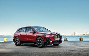 Фотографии BMW CUV Красных Металлик iX Sport, Worldwide, (i20), 2021 Автомобили
