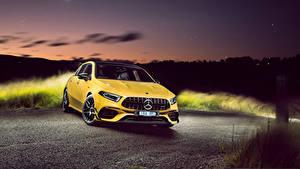Фотография Mercedes-Benz Желтый Металлик 2020 AMG A 45 S 4MATIC Aerodynamic Package машина