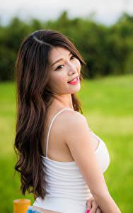 Фотография Азиатки Волосы Майки Боке молодая женщина