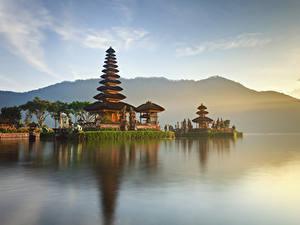 Фотографии Индонезия Храм Заливы Ulun Danu Beratan Temple Bali город