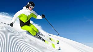 Картинки Зимние Лыжный спорт Мужчины Снег Очки Шлем Униформа Физические упражнения Спорт