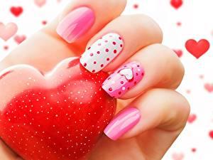 Фотография Пальцы Крупным планом День святого Валентина Маникюр Красивая Сердце