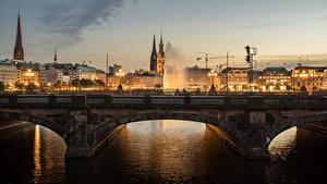 Фотографии Германия Гамбург Дома Реки Мосты Ночью Города