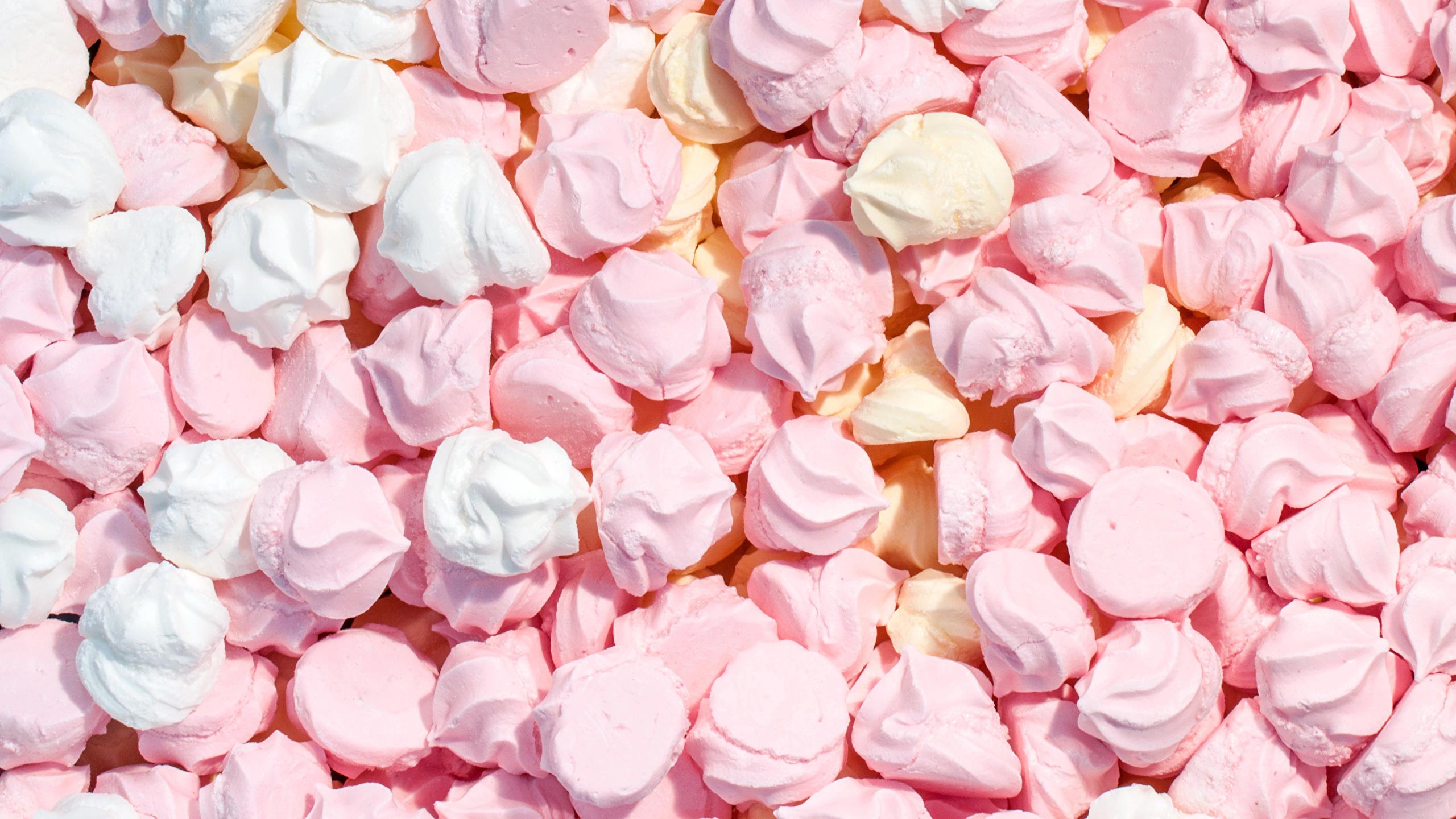 Картинка Beze Продукты питания Много сладкая еда 2560x1440 Еда Пища Сладости