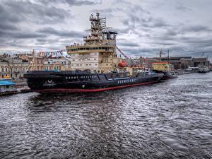 Картинки Россия Санкт-Петербург Реки Пристань Корабли Города