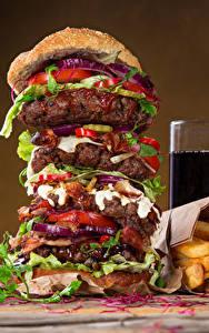 Обои Быстрое питание Гамбургер Картофель фри Напитки Стакане Продукты питания