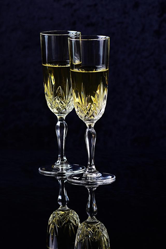 Фотография вдвоем Шампанское Еда Бокалы Черный фон 640x960 2 Двое Игристое вино Пища бокал Продукты питания