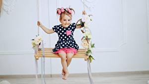 Фотография Качели Девочки Платье Ребёнок