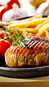 Картинка Мясные продукты Картофель фри Томаты