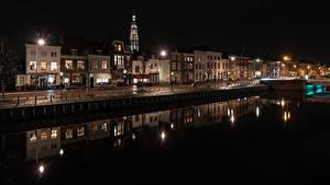 Фото Нидерланды Здания Водный канал Ночные Уличные фонари Middelburg
