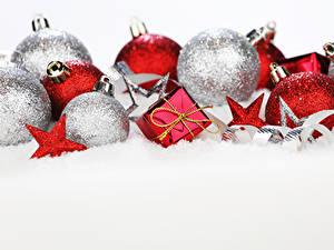 Картинки Рождество Шар Звездочки Подарки Снег