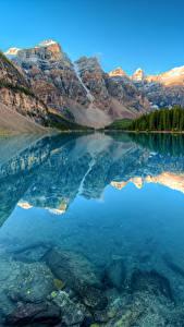 Картинка Канада Парки Горы Озеро Лес Пейзаж Банф Отражается Moraine lake