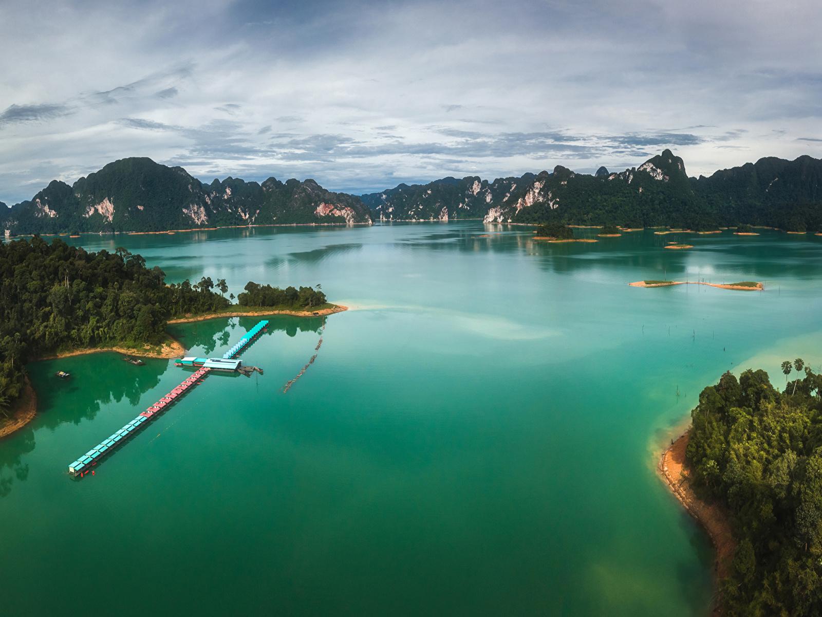 Картинки Таиланд Горы Природа тропический залива Причалы 1600x1200 гора Тропики Залив Пирсы заливы Пристань
