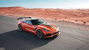 Картинки Chevrolet Оранжевый Металлик 2019 Corvette ZR1 Машины