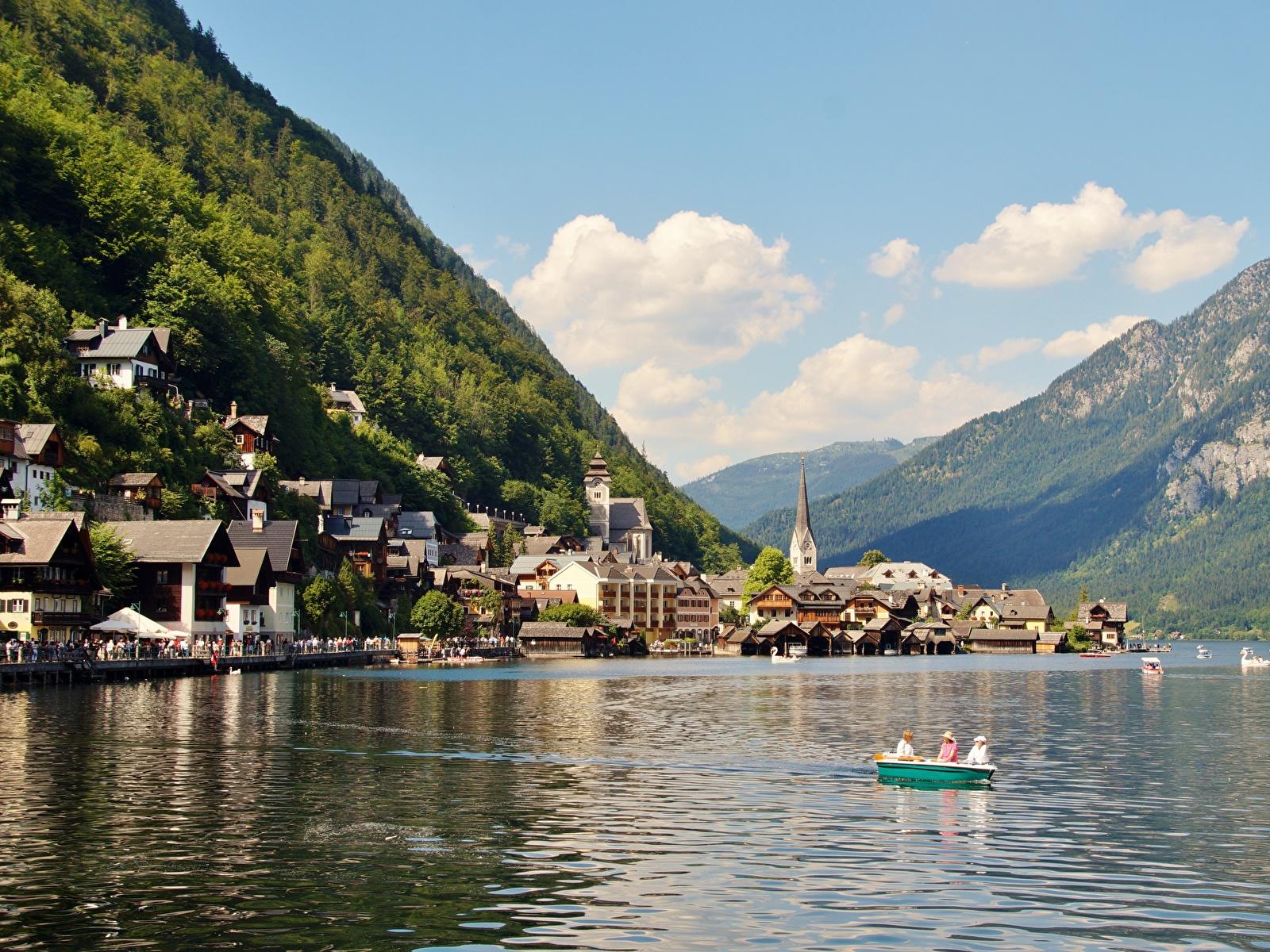 Фотографии Халльштатт Альпы Австрия Gmunden County Горы Природа Озеро Лодки Пристань Города Здания 1600x1200 Пирсы Причалы Дома