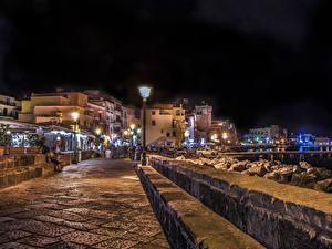 Картинки Италия Дома Улиц Уличные фонари Ночь Ischia Ponte Города