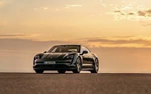 Картинки Порше Черная Металлик Купе Taycan 4S 2020 авто