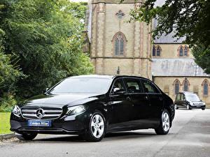 Картинки Mercedes-Benz Черная Металлик 2017-19 Coleman Milne Mercedes-Benz E-Klasse Limousine Авто