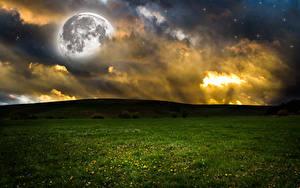 Картинки Поля Небо Холмы Ночные Облака Луна Природа