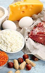 Фотографии Мясные продукты Сыры Орехи Творог Яйца