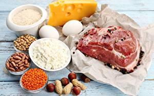 Фотографии Мясные продукты Сыры Орехи Творог Яиц