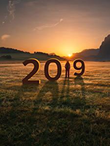 Фотографии Новый год Рассветы и закаты Горы Поля 2019 Природа
