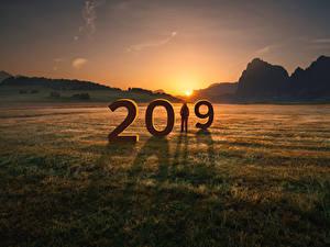 Фотографии Новый год Рассветы и закаты Горы Поля 2019