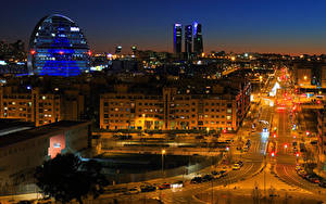 Фотографии Испания Мадрид Дома Дороги Улица Ночь Уличные фонари Города