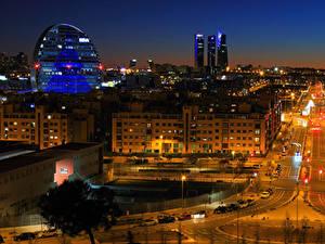 Фотографии Испания Мадрид Дома Дороги Улице Ночь Уличные фонари Города